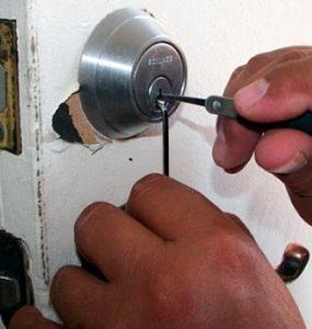 instalar las medidas de seguridad más- adecuadas